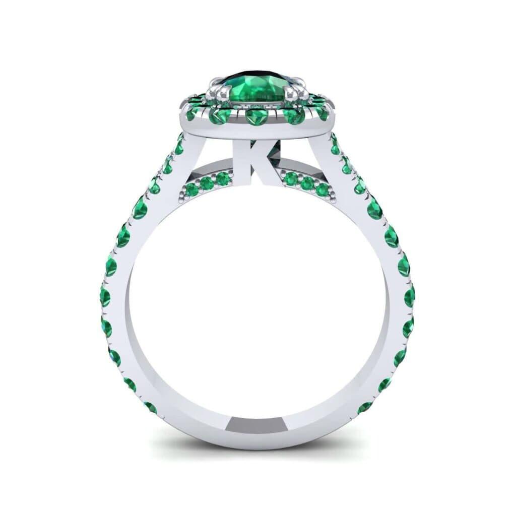 4669 Render 1 01 Camera3 Stone 1 Emerald 0 Floor 0 Metal 1 Platinum 0 Emitter Aqua Light 0