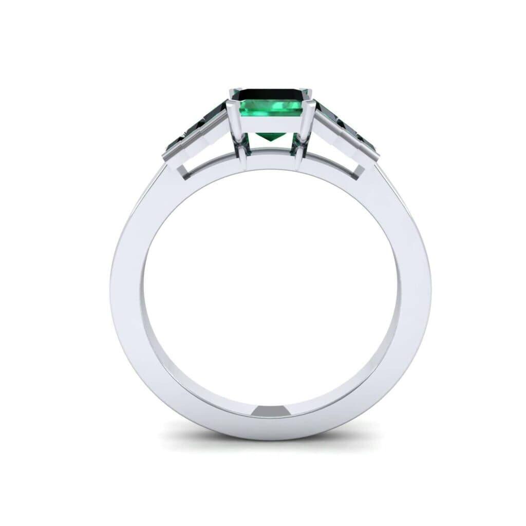 4762 Render 1 01 Camera3 Stone 1 Emerald 0 Floor 0 Metal 1 Platinum 0 Emitter Aqua Light 0